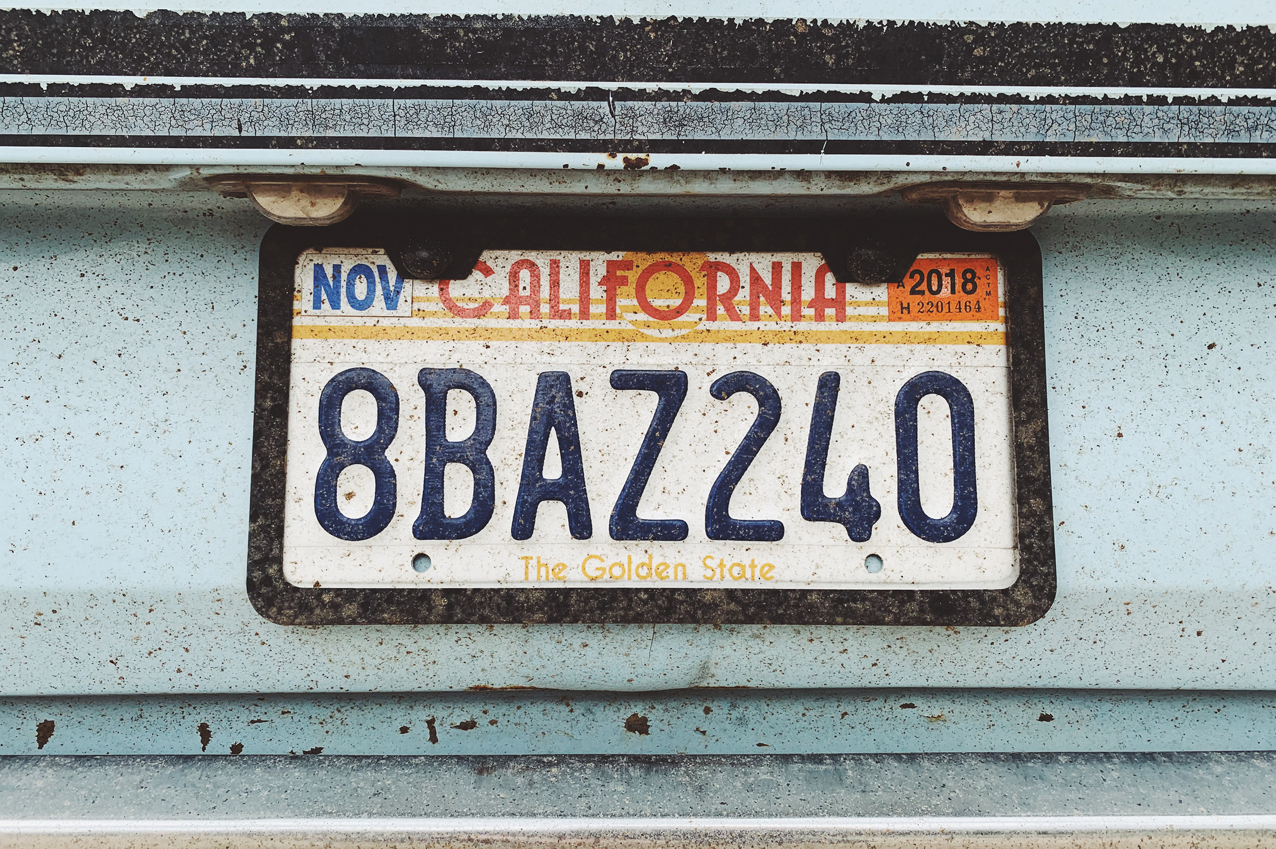 I so wish I can get this California legacy plate and not the sort of ugly black and yellow one.