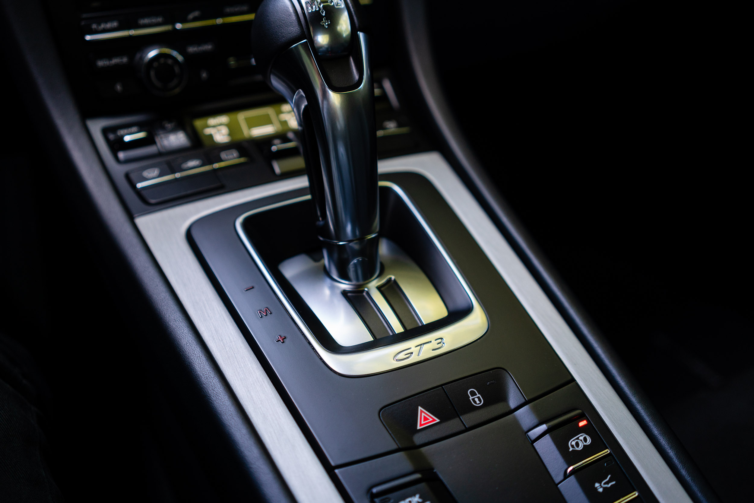 porsche-911-gt3-pdk-lever.jpg