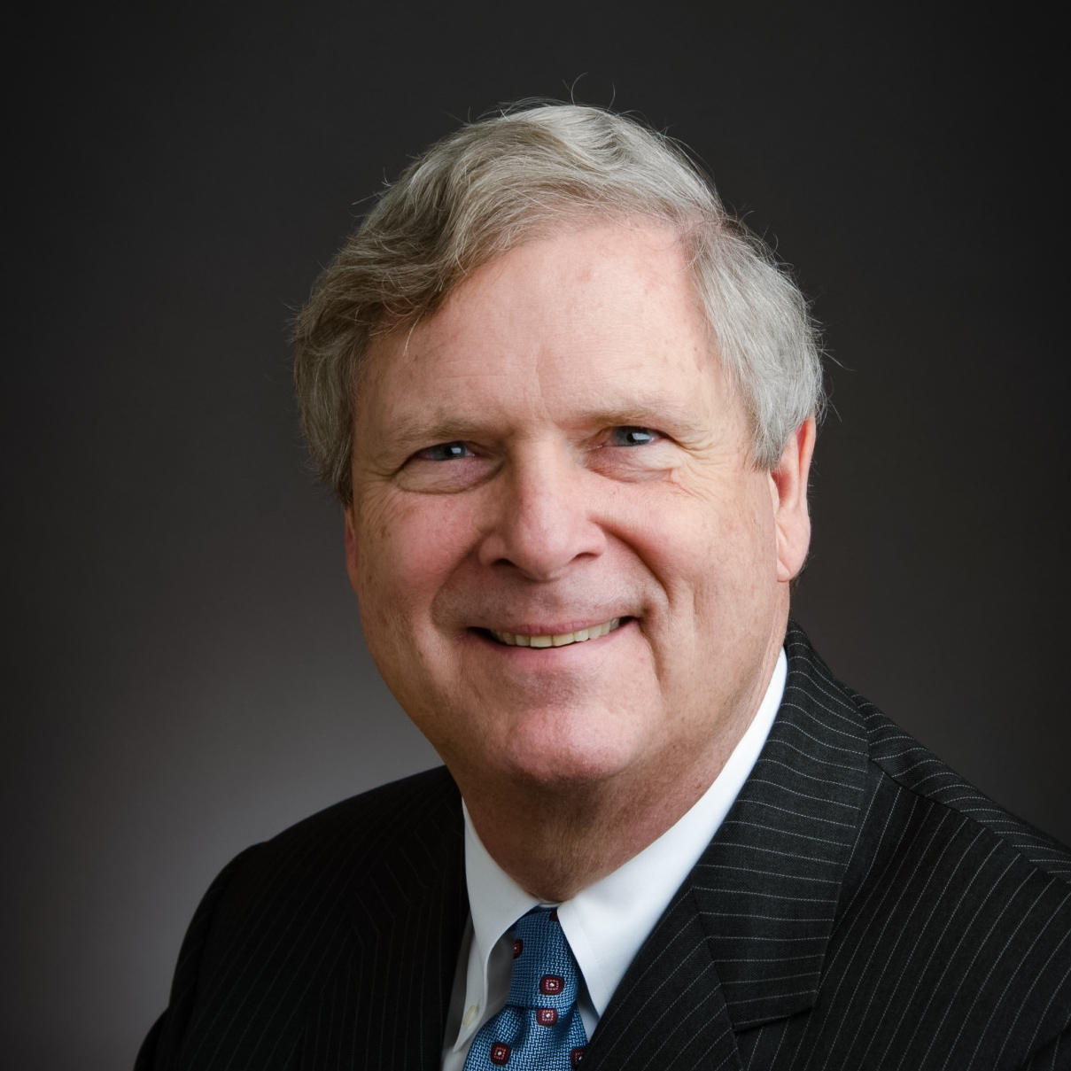 Tom-Vilsack-headshot-1.jpg