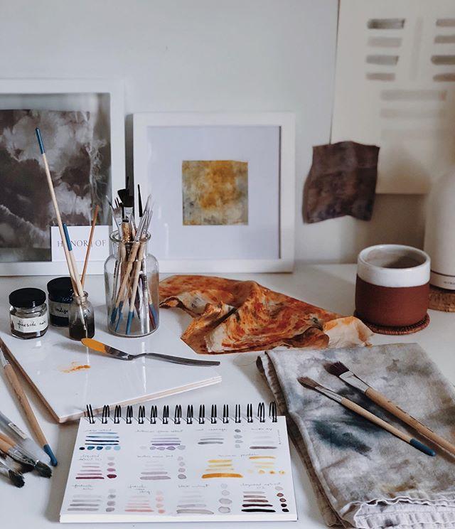 Mornings in the studio ⛅️🌈