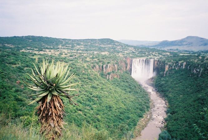 Zulu Falls.jpg