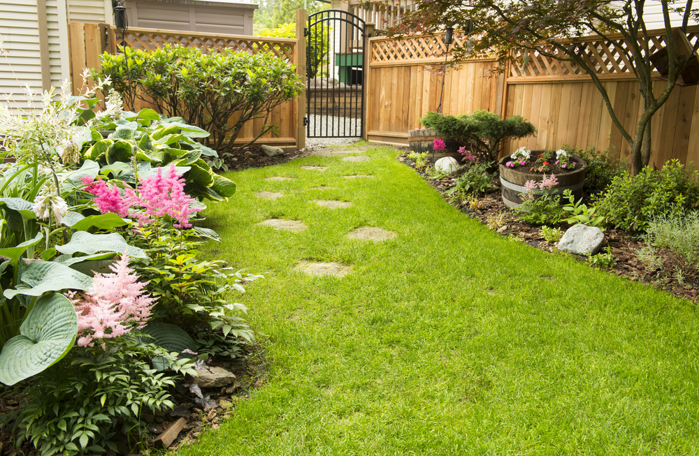 Backyard Remodeling - Schedule a free estimate drought landscaping, sod installation and backyard design in Corona, CA.
