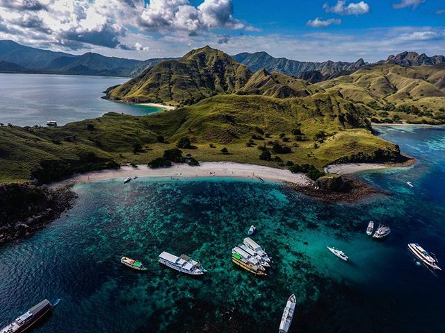 A picture is worth a thousand words, well then, what word would you use to describe this photo? - #photo #gorgeous #photographer #earth #sky #water #travel #travelphotography #travelblogger #travelgram #travels #boat #drone #beautiful #indonesia #camera #photographerslife #photomafia #art #artwork #like4like #followback #instagood #instadaily #bestoftheday #photooftheday #picoftheday #sun #sunny #sunnybeach
