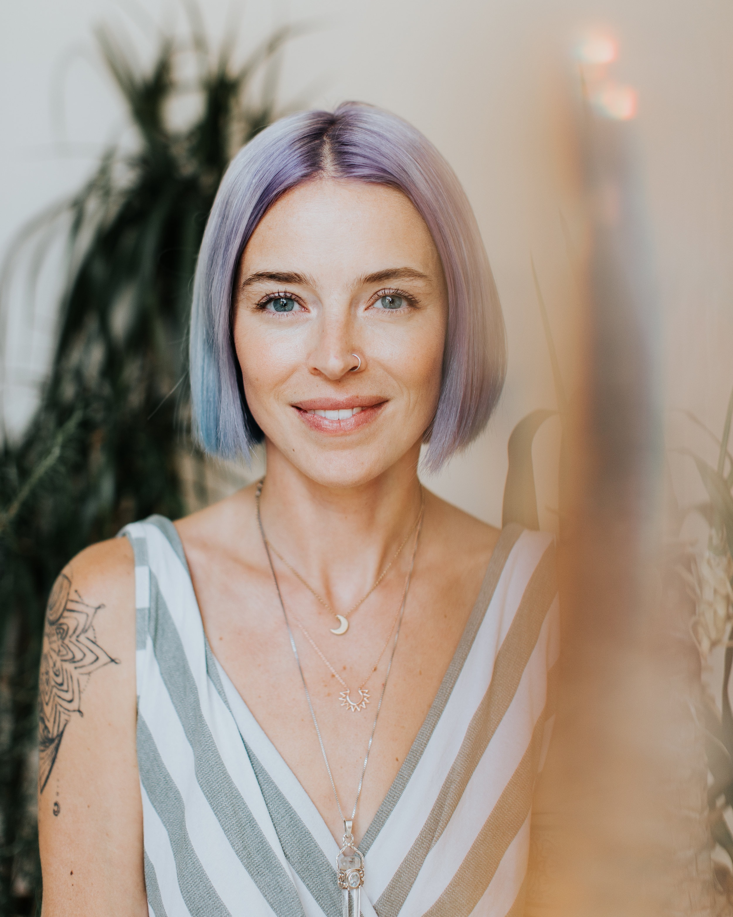 Josée-Anne SC  - CEO, sorcière assumée & créatrice de rituels magiques