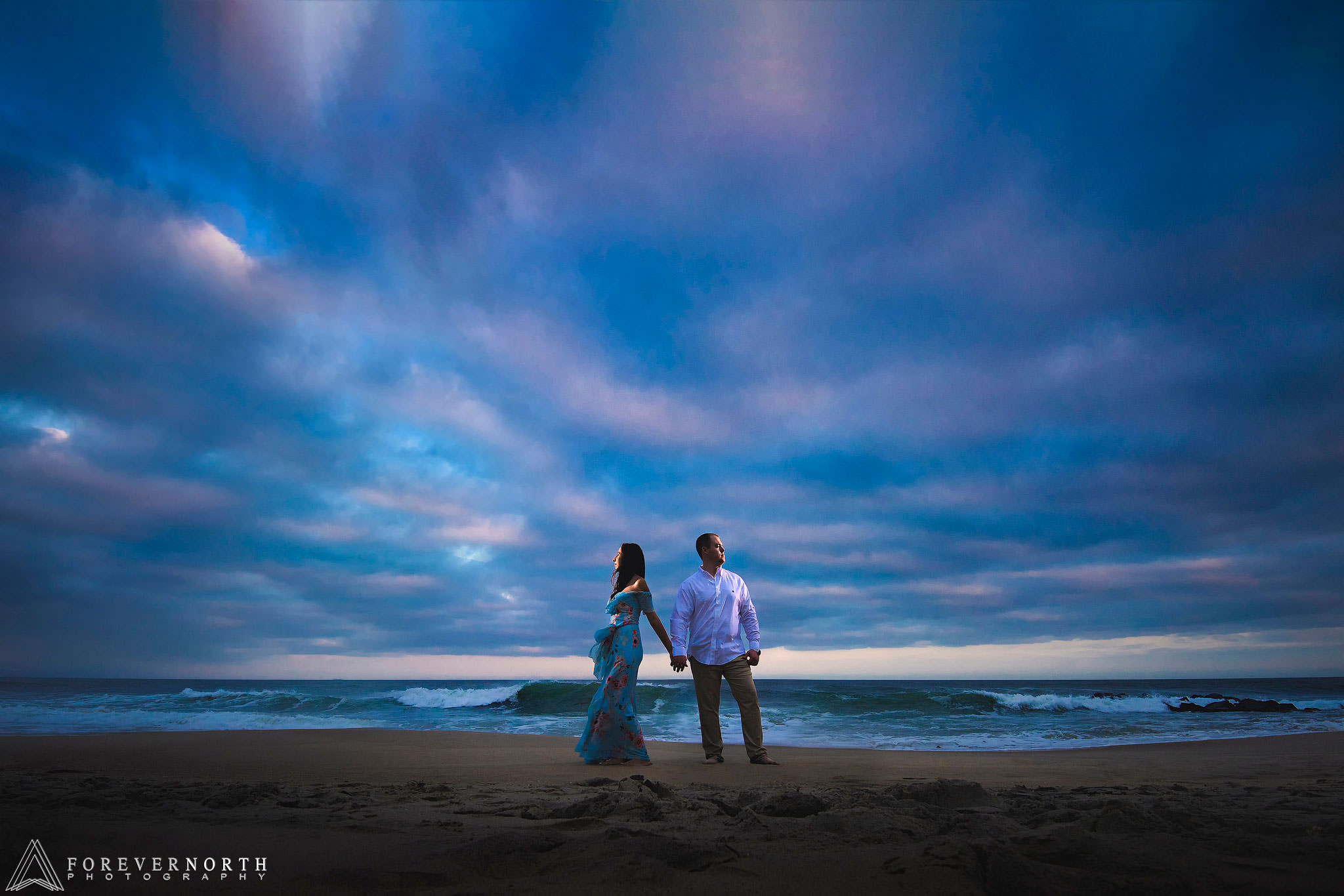 Martin-Manasquan-Beach-Engagement-Photos-01.jpg