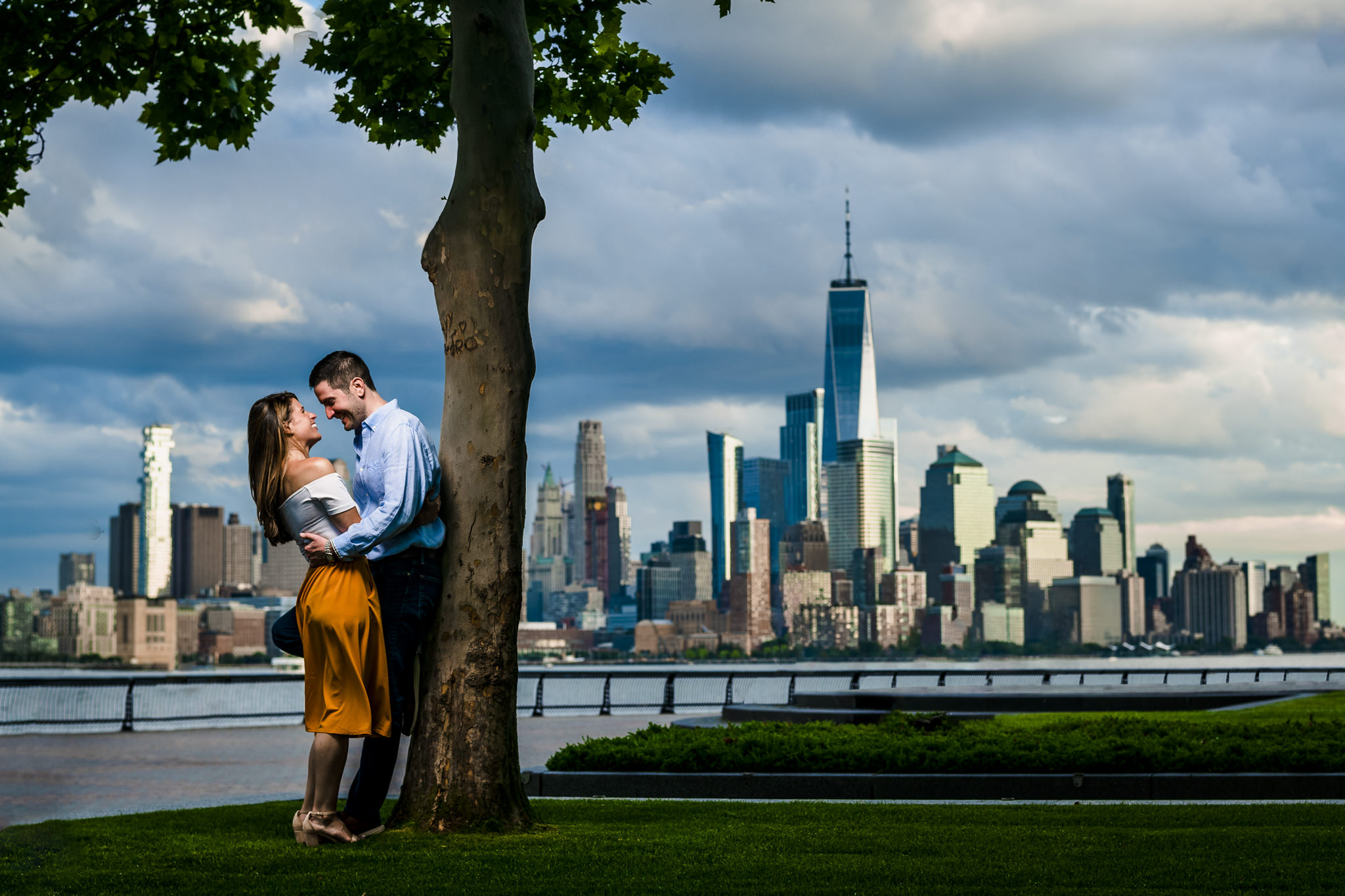 Flanagan-Pier-Hoboken-Engagement-Photos-NYC-Photographer-15.JPG