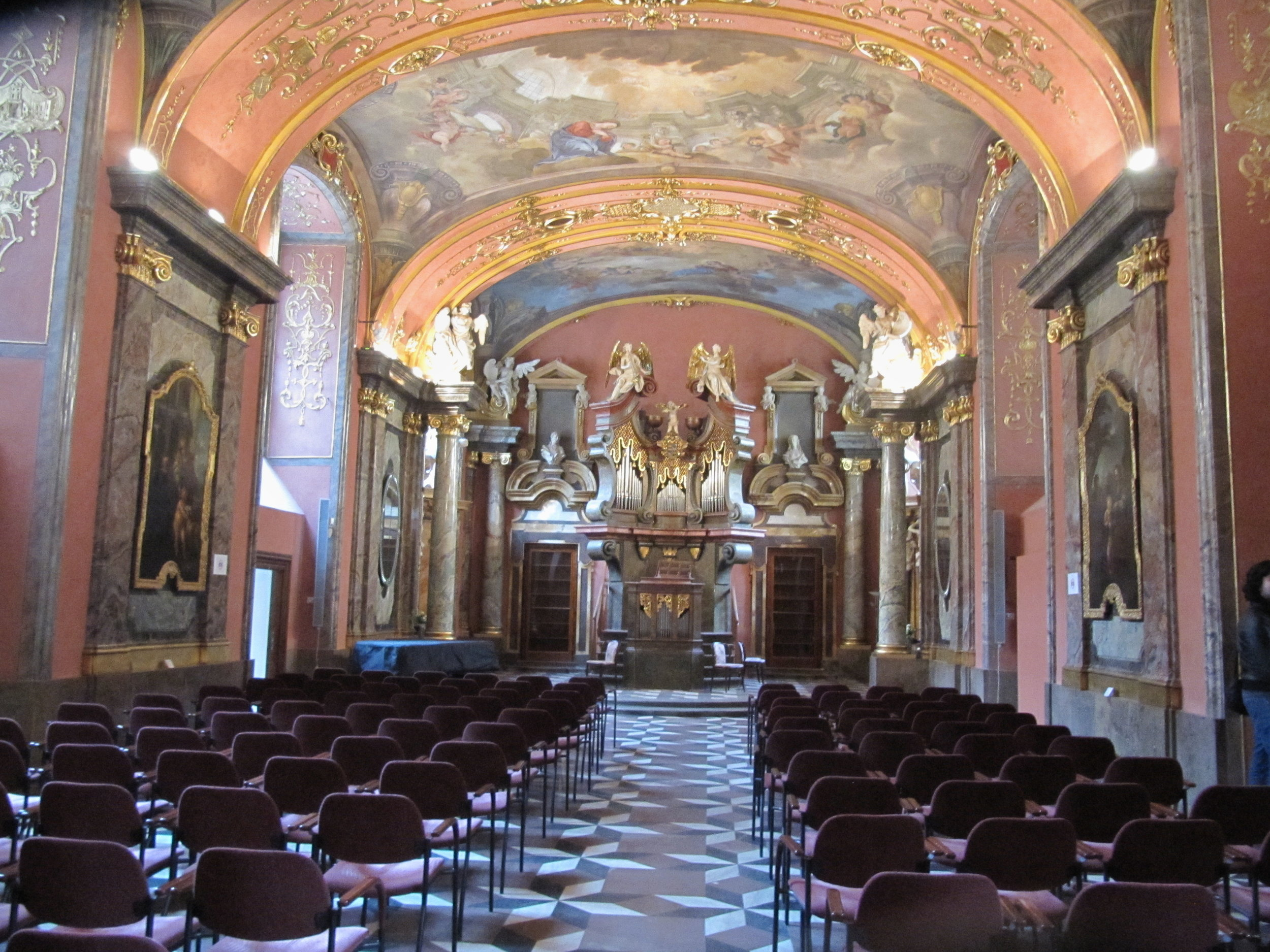 mirror chapel.jpg