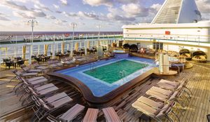 silversea-ship-silver-shadow-public-area-pool-deck.jpg