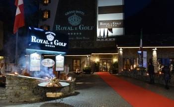 ingresso-grandhotel-royalegolf-courmayeur.jpg