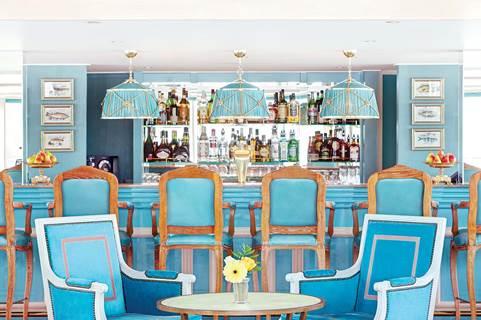 Main Il Castillo Lounge.jpg