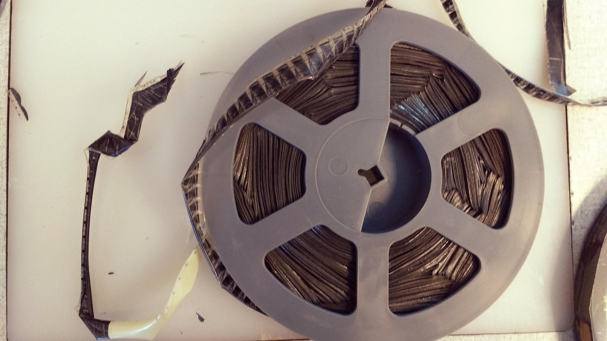 Brittle and spoking acetate film
