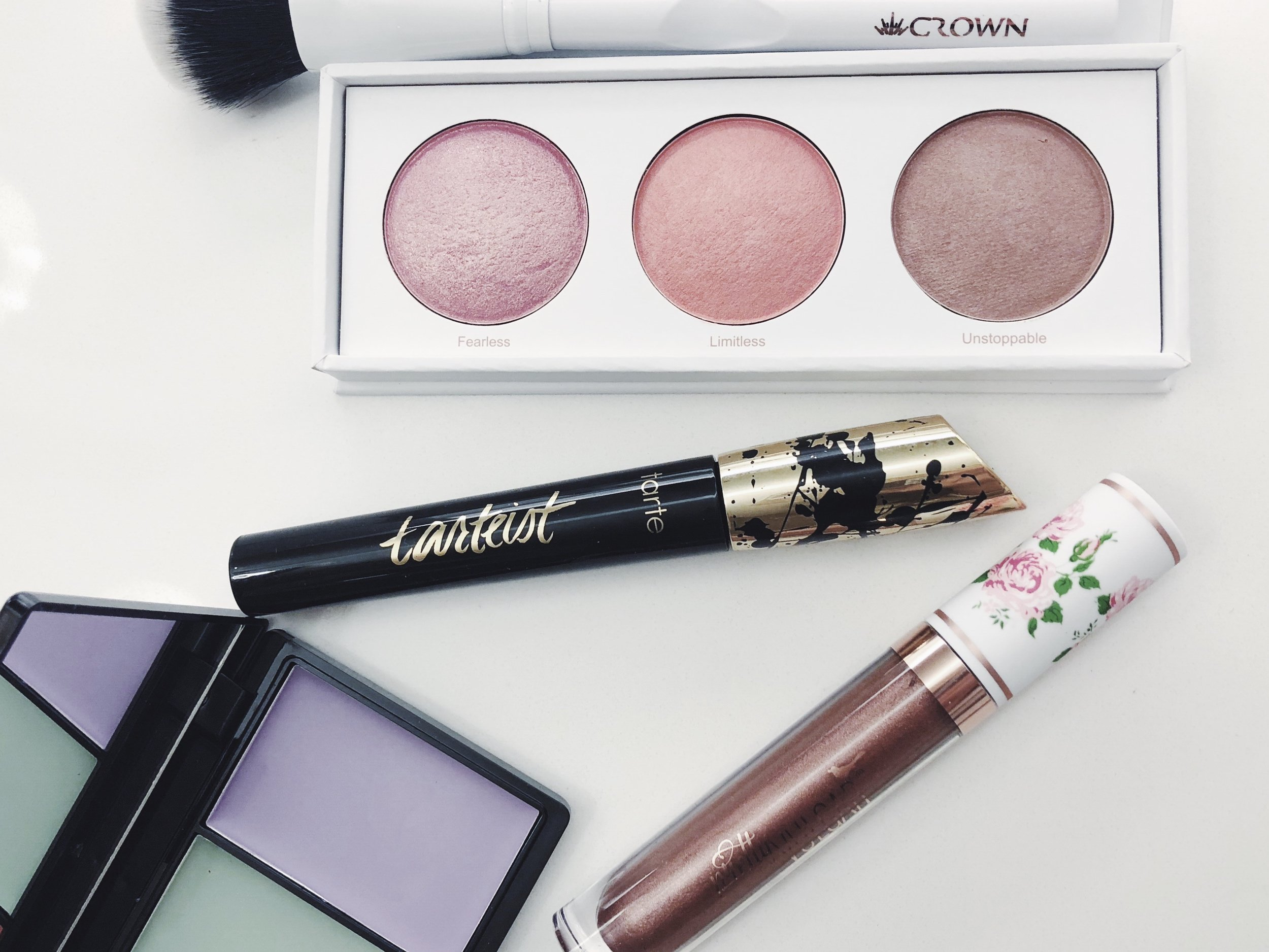 And they have Tarte too! And look a concealer and blush palette! All you need for the holidays!