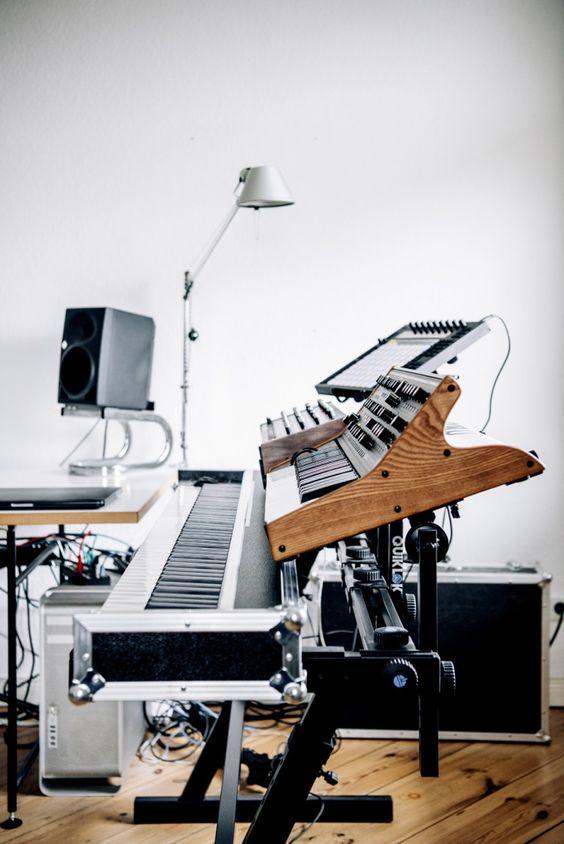 record piano.jpg