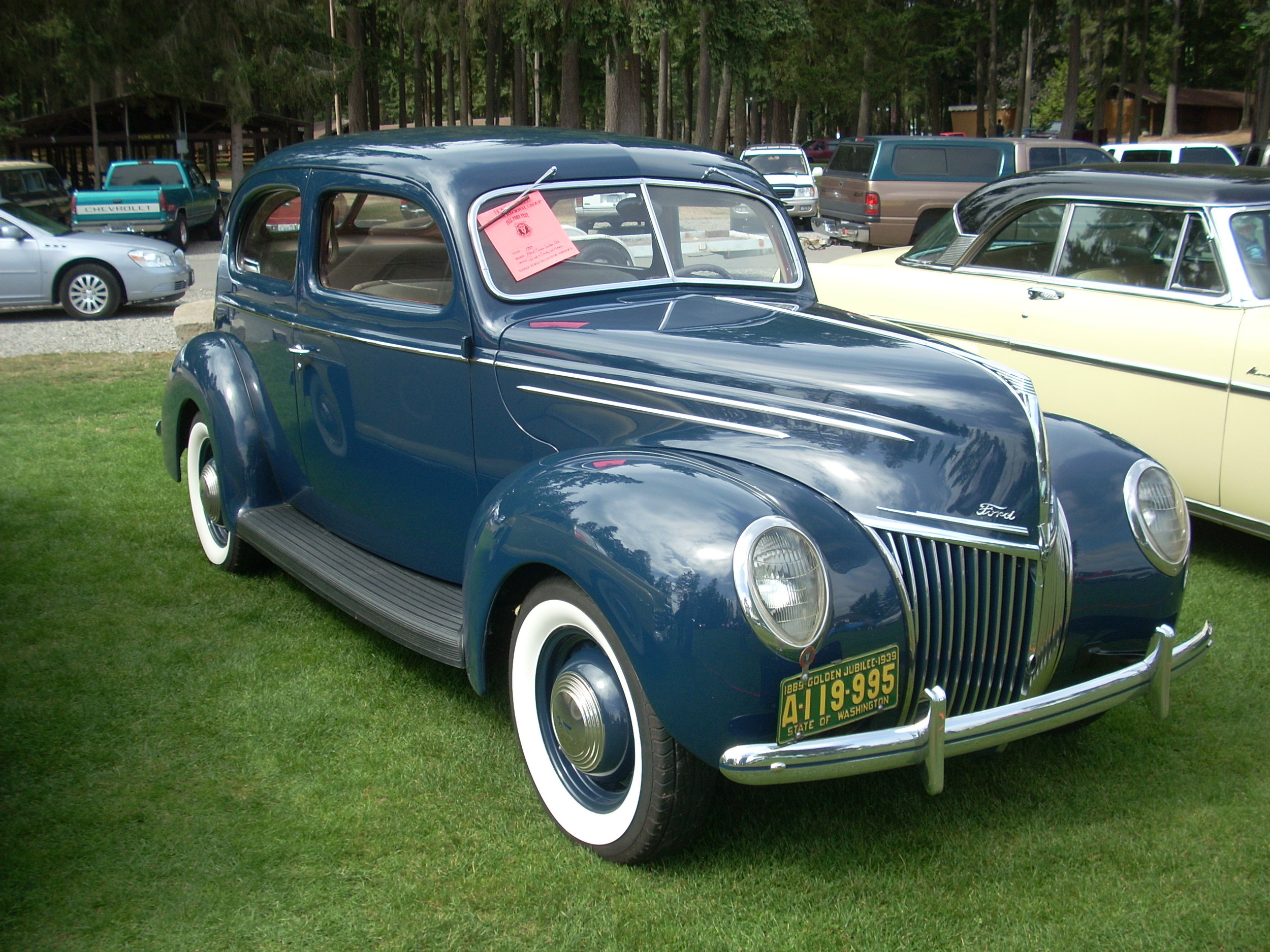 Dick and Cindy Williams -  1939 Ford Deluxe 2 Door Sedan