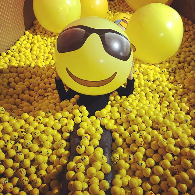 Just a ball full of smiles. #thatswhatshesaid #thatsallittakes #smile #smileday #livingyourbestlife #bright #yellowmellow #museum #boyfriendquotes #photoop #jumpin #allin #untiltheendoftime #happydays #happylife #makingachange