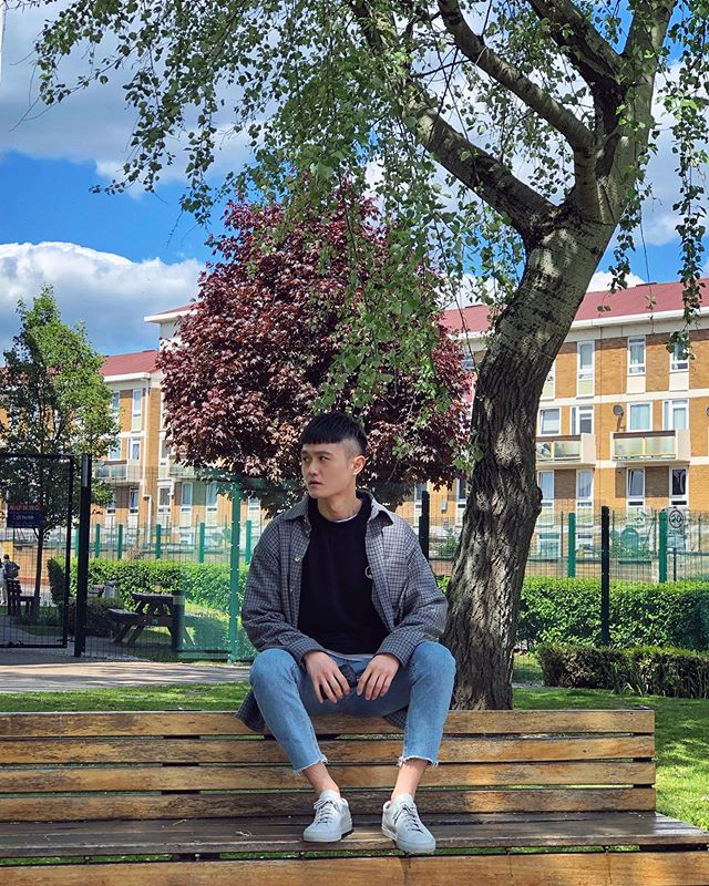 About few weeks ago 😂 . . . #uk #unitedkingdom #london #mileend #ootd #asian #taiwanese #commonprojects #instagram #instadaily #londoner #londonist