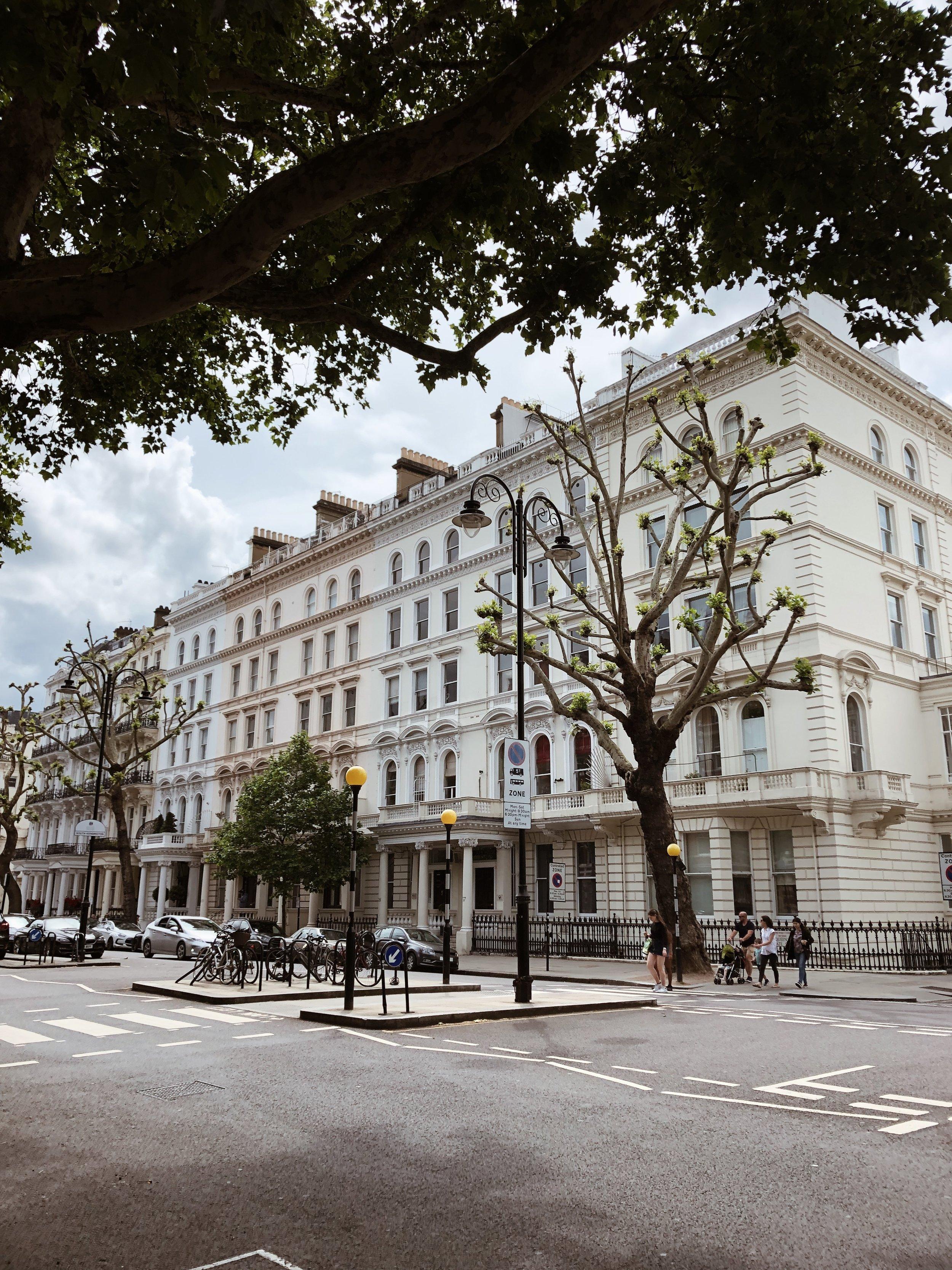 這是在South Kensington附近拍的,覺得很有巴黎街頭的感覺,走在路上相當寧靜且舒服。