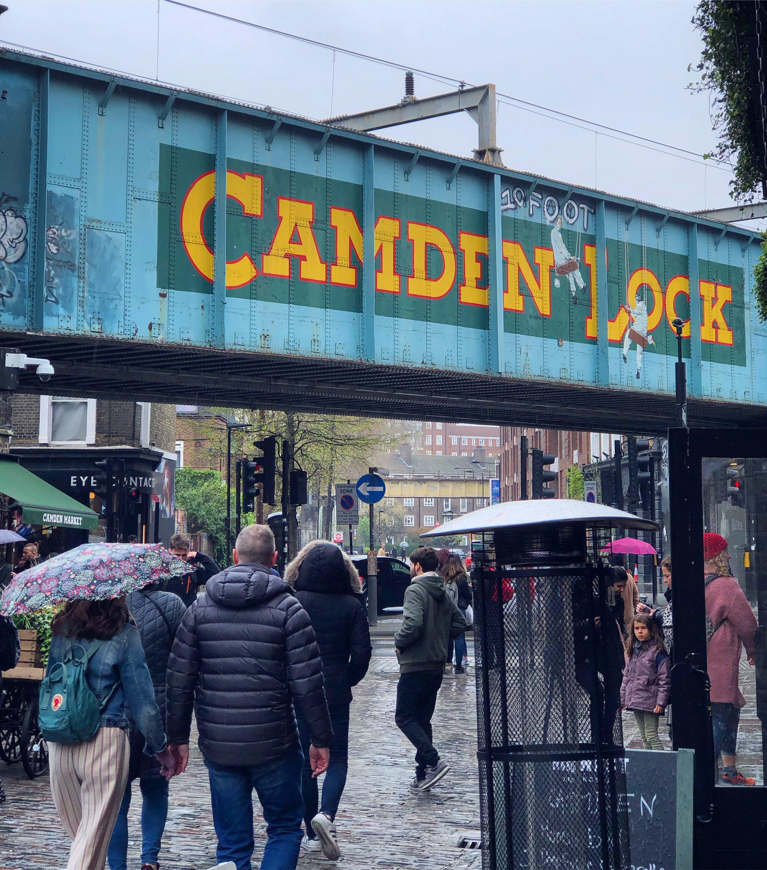 倫敦北邊的Camden區,這裡有市集與小攤販,週末也是滿多人會去的地方,其實風格有點像東倫敦的Brick Lane感覺。