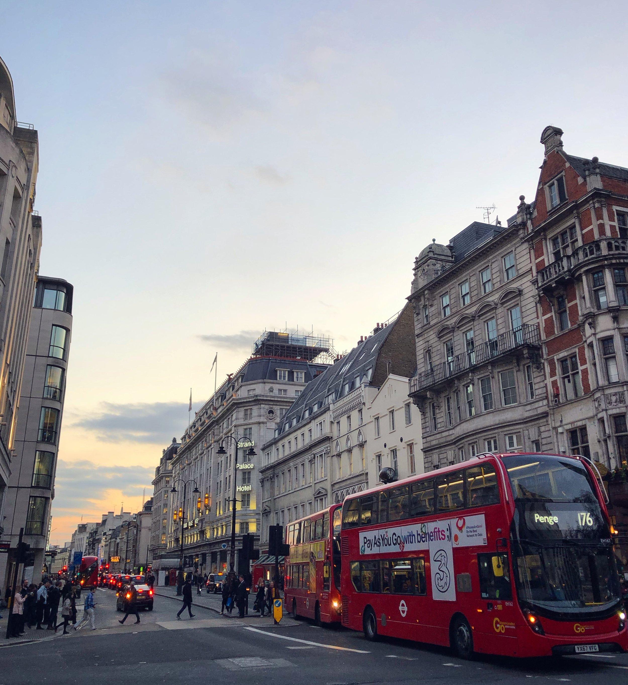 市中心街頭,靠近Trafalgar Square。