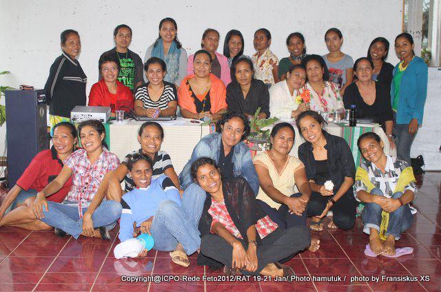 Rede Feto   Rede Feto is the peak body of a network of women's organisations working to promote gender equality and women's empowerment in Timor-Leste.  Rede Feto mak órgaun altu ba rede organizasaun feto sira-nia servisu hodi promove igualdade jéneru no hakbi'it feto nian iha Timor-Leste.   Website:  http://redefeto.tl/   Email: redefeto@yahoo.com  Phone: (+670) 3312841