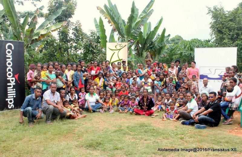 Alola Foundation   Founded in 2001 by Ms Kirsty Sword Gusmao, the Alola Foundation seeks to nurture women's leadership and advocate for the rights of women.  Harii iha tinan 2001 hosi Sra Kirsty Sword Gusmão, Fundasaun Alola buka atu estimula feto nia lideransa no advokasia ba feto nia direitu.   Website:  http://www.alolafoundation.org/   Email: info@alolafoundation.org  Phone: (+670) 3323855