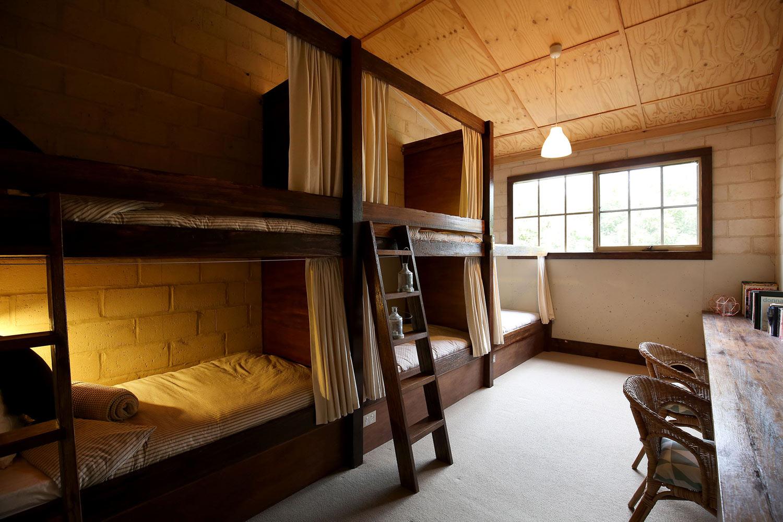 RED-MOON-STUDIOS-BEDROOM-THE-BUNK-ROOM.jpg