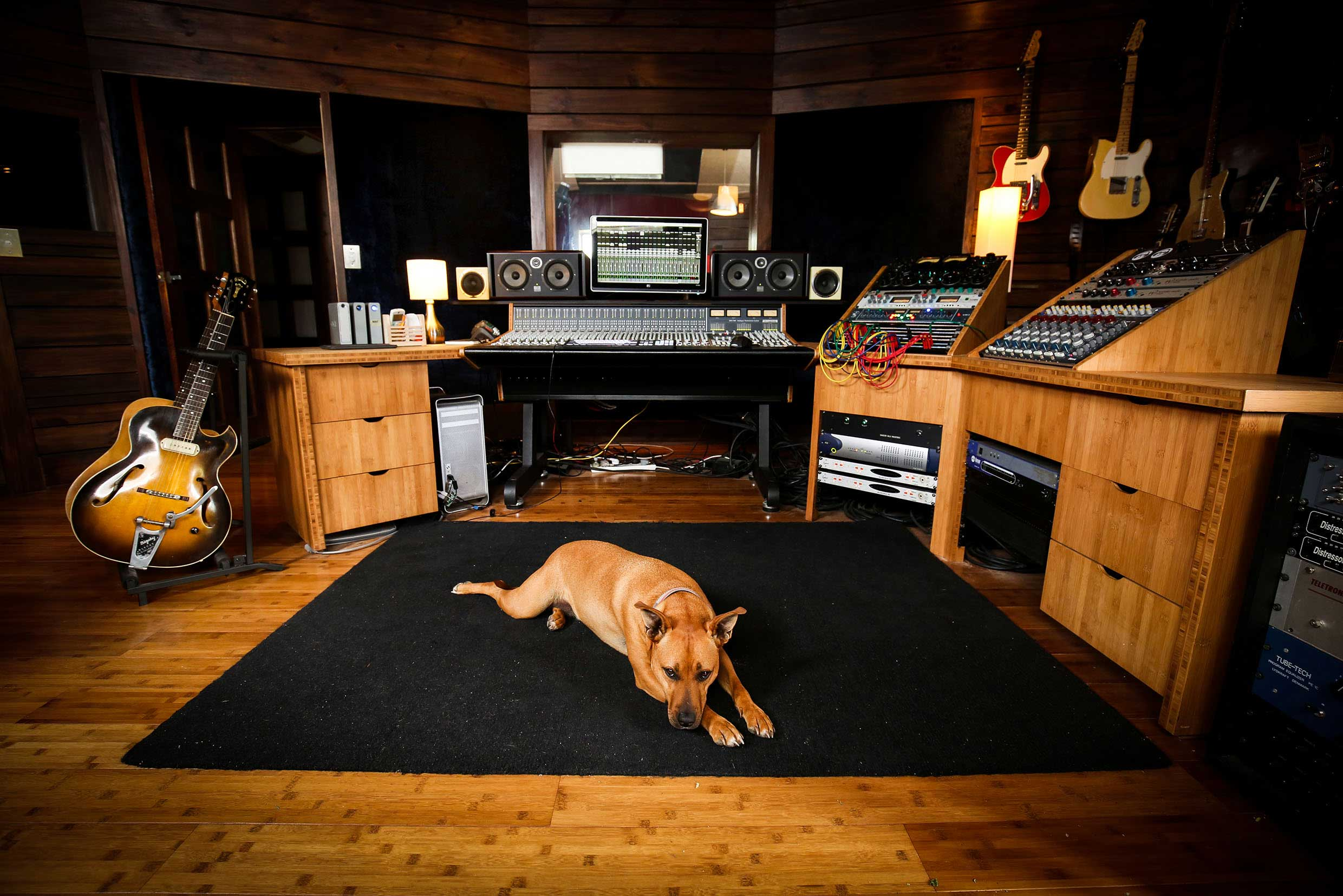 RED-MOON-MIXING-ROOM-2.jpg