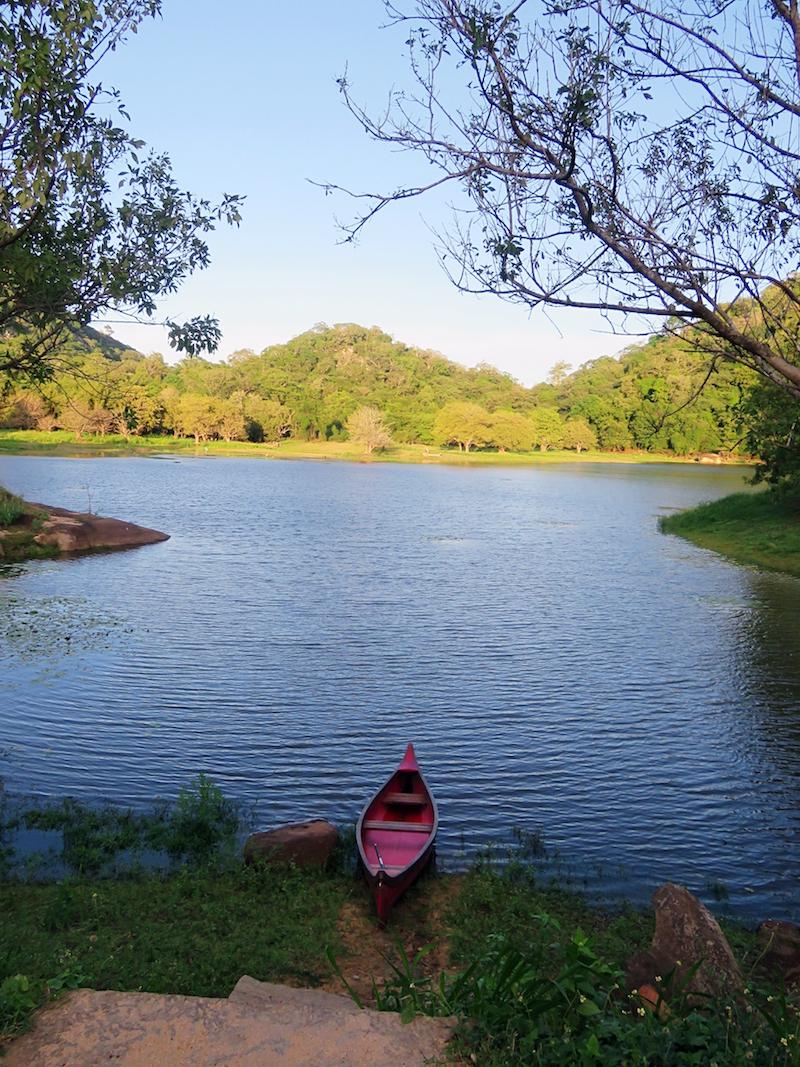 Galgiriyawa-village-lake-2.jpg