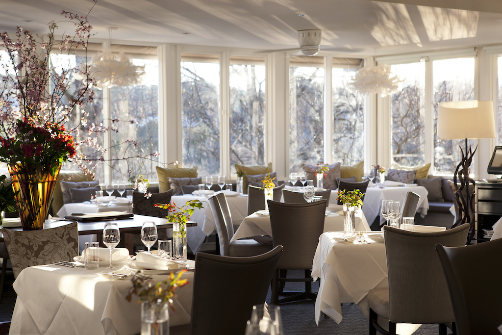 The chic and serene restaurant (photo credit: Lake House)