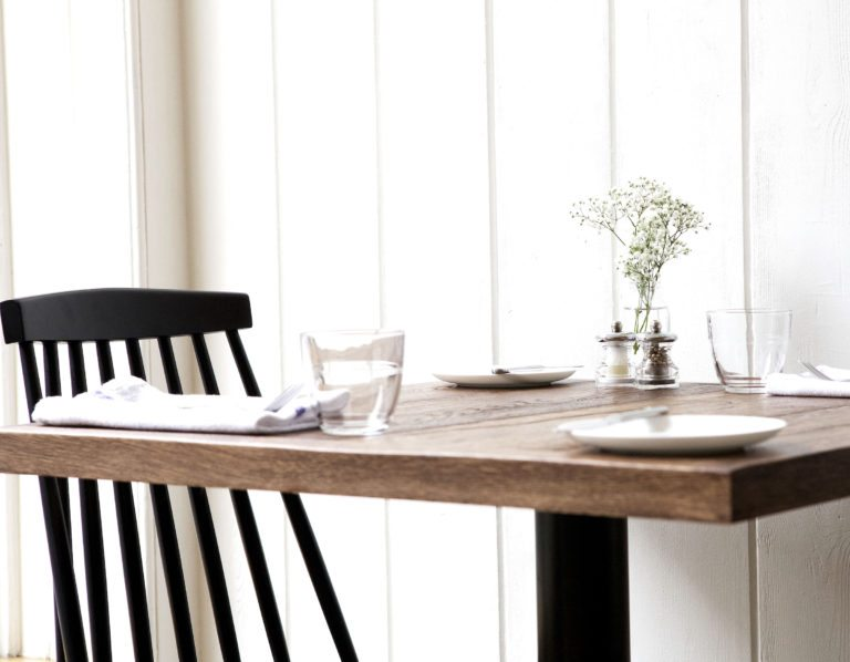 The clean, bistro-like tables
