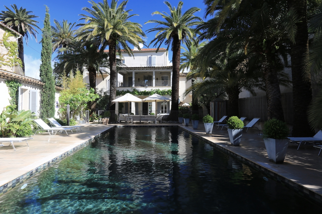 Pastis Hotel St Tropez pool.JPG