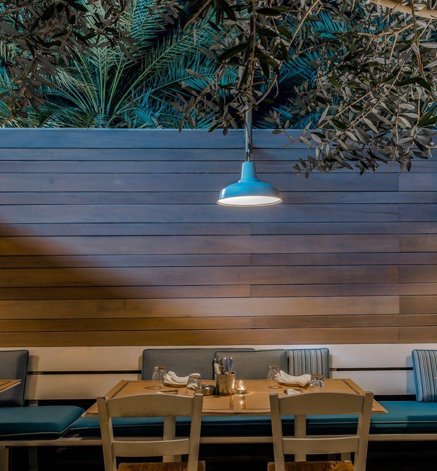 The outdoor seating    photo credit: Mythos Dubai
