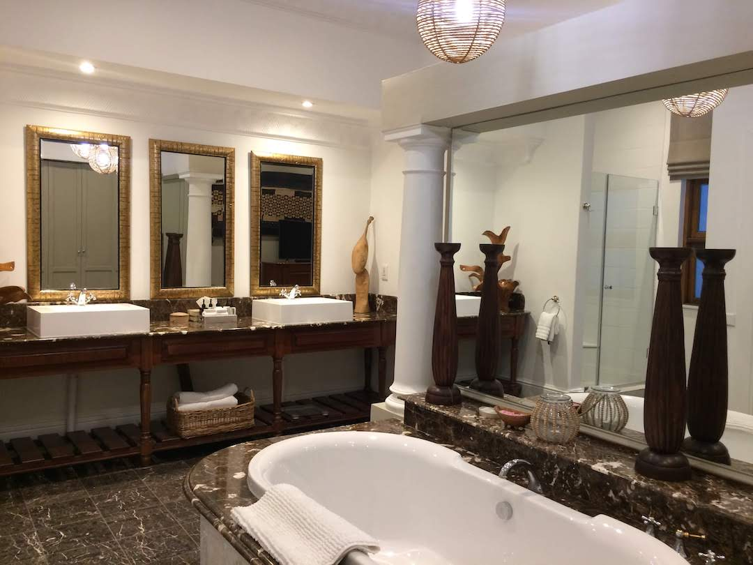 The bathroom in the Nelson Mandela suite