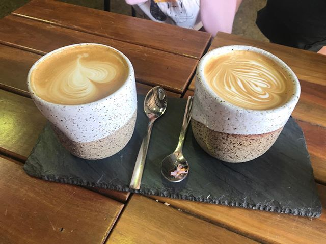 My sister and cousin enjoying @blacksheepcoffeebrisbane - wish I was there! #luckyanna #pottery #imadethat