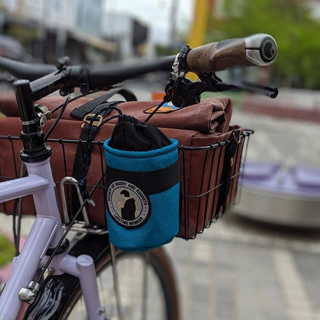 How hot is @symonisms bike looking! Counting down to our Japanese bike adventures. Awesome basket bag by @framework.designs and snack pack by me!