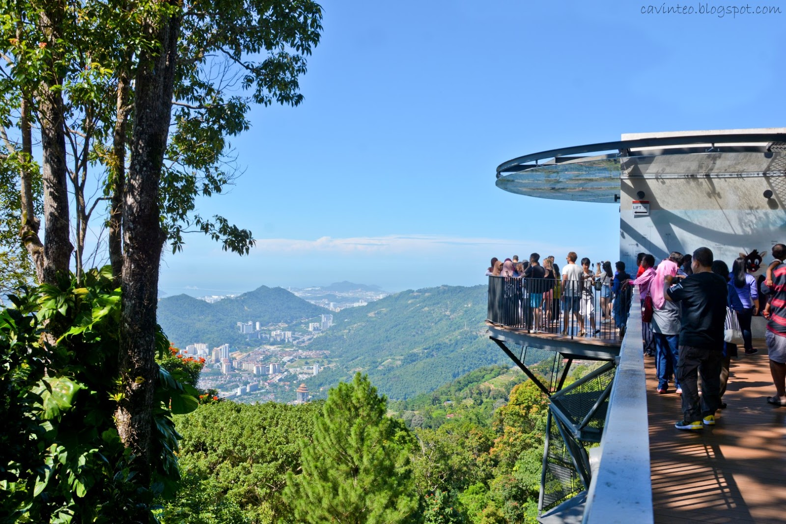 07 SGE_5746 Top of Penang Hill (Bukit Bendera) - Fantastic Scenery of the City & Peninsular Malaysia via its Viewing Decks.JPG