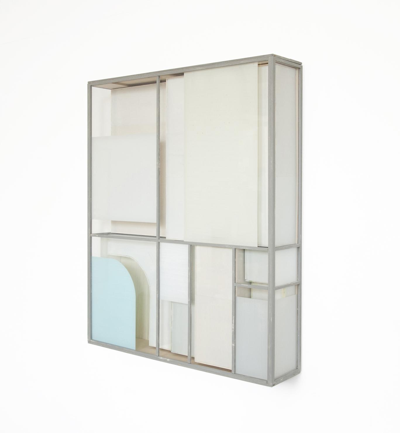 Minimal BL, 2018, Holz, Acrylglas, Farbe, 81 x 67 x 14 cm