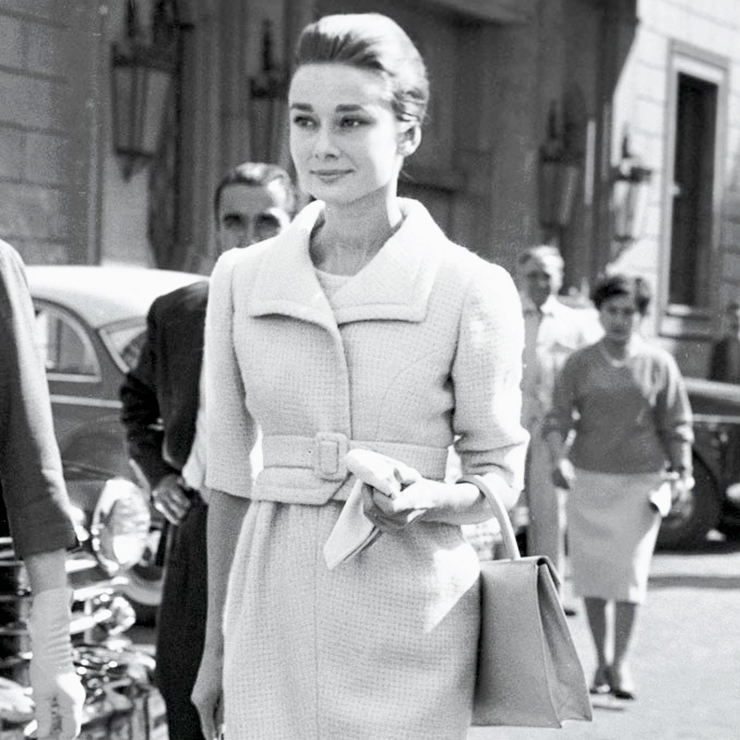 Bespoke Dames maatkleding: (mantel)pak, jas, blazer, broek & rok voor elk lichaamstype & gelegenheid.