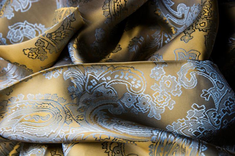 De Oost Bespoke Tailoring Bateman Ogden Collection Linings Suit Jacket Trousers Fabrics.jpg