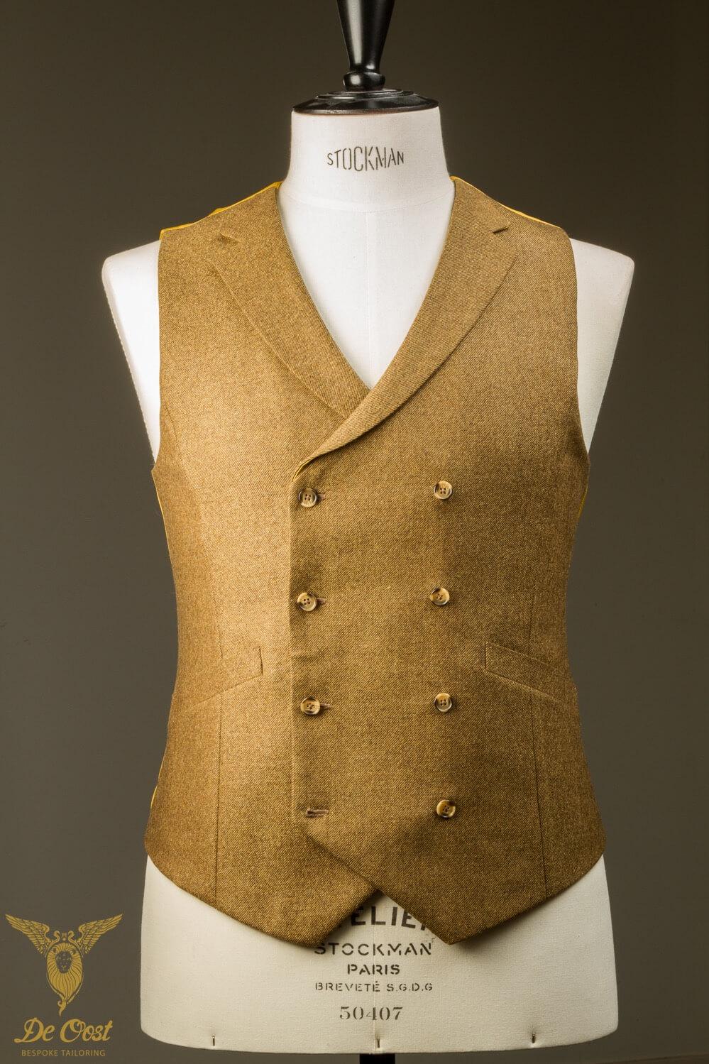 - Op Maat Gemaakt Double Breasted Vest Oker Tweed Met Weggesneden Revers