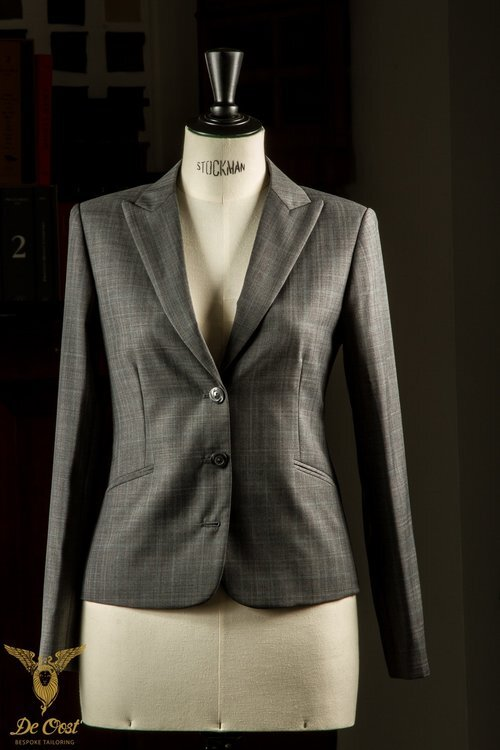 - 3-knoops jasje colbert op maat gemaakt met Prince of Wales stof.
