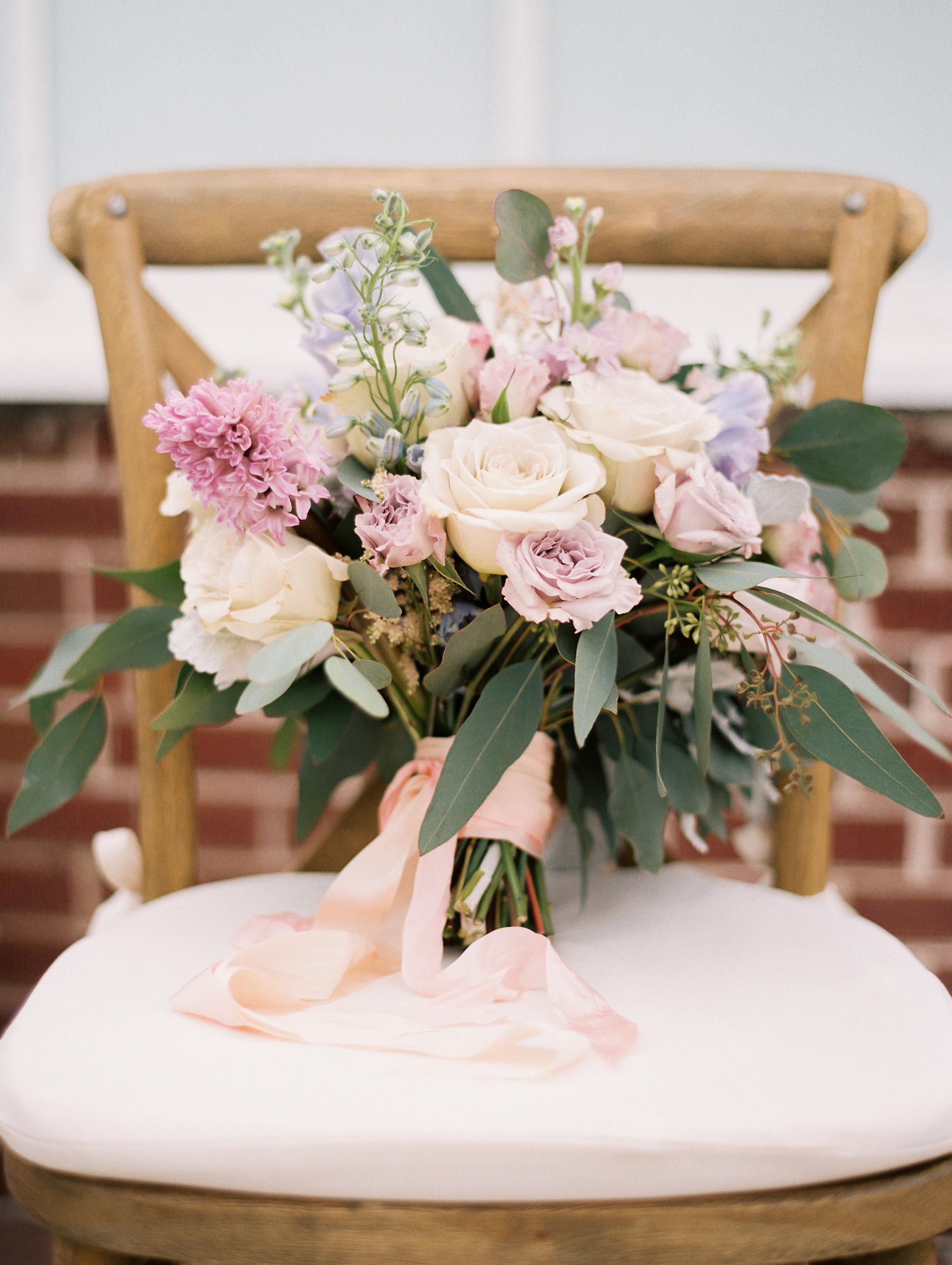 Kristin-La-Voie-Photography-Chicago-Wedding-Photographer-Cheney-Mansion-136.jpg