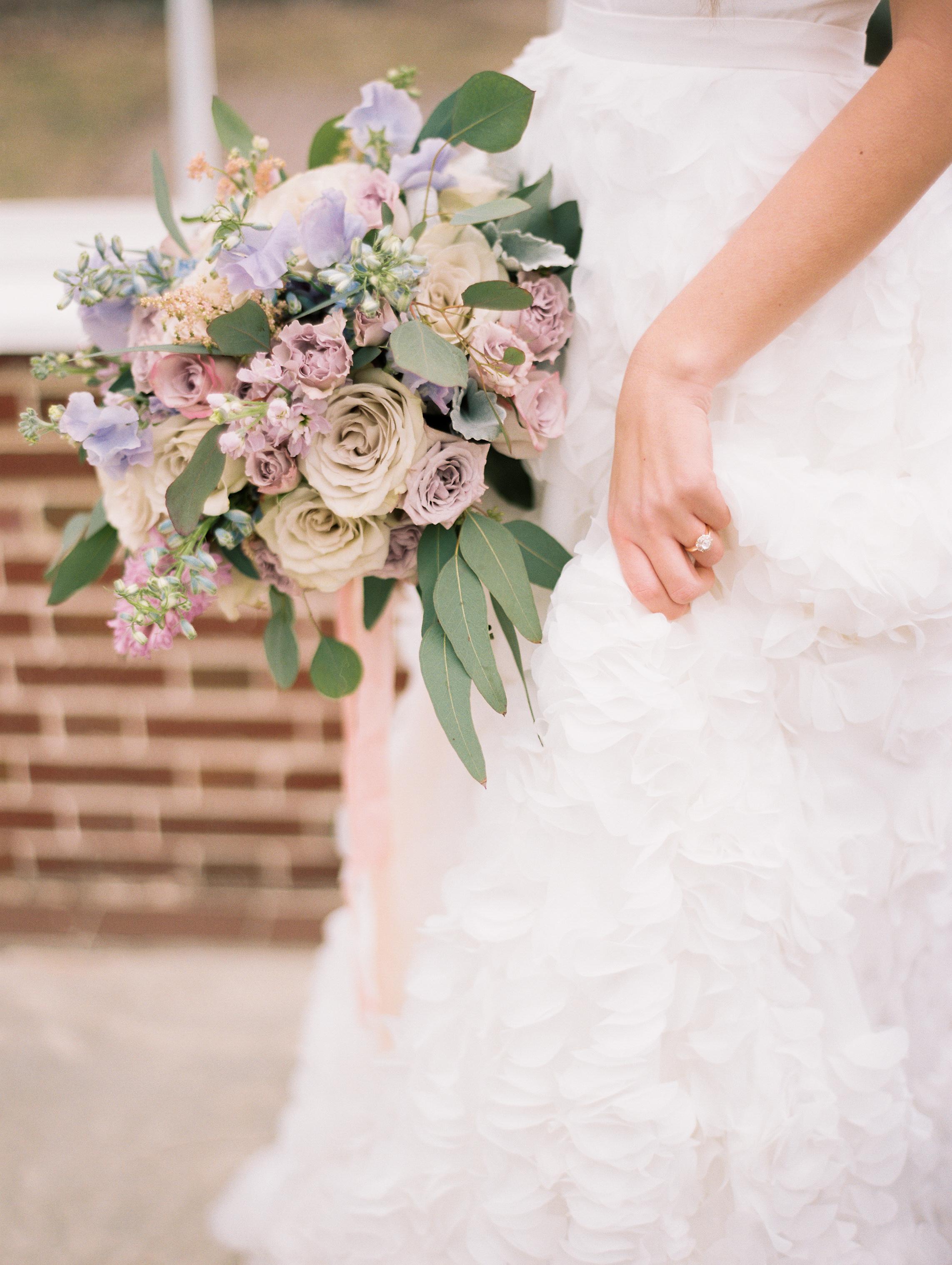 Kristin-La-Voie-Photography-Chicago-Wedding-Photographer-Cheney-Mansion-32.jpg