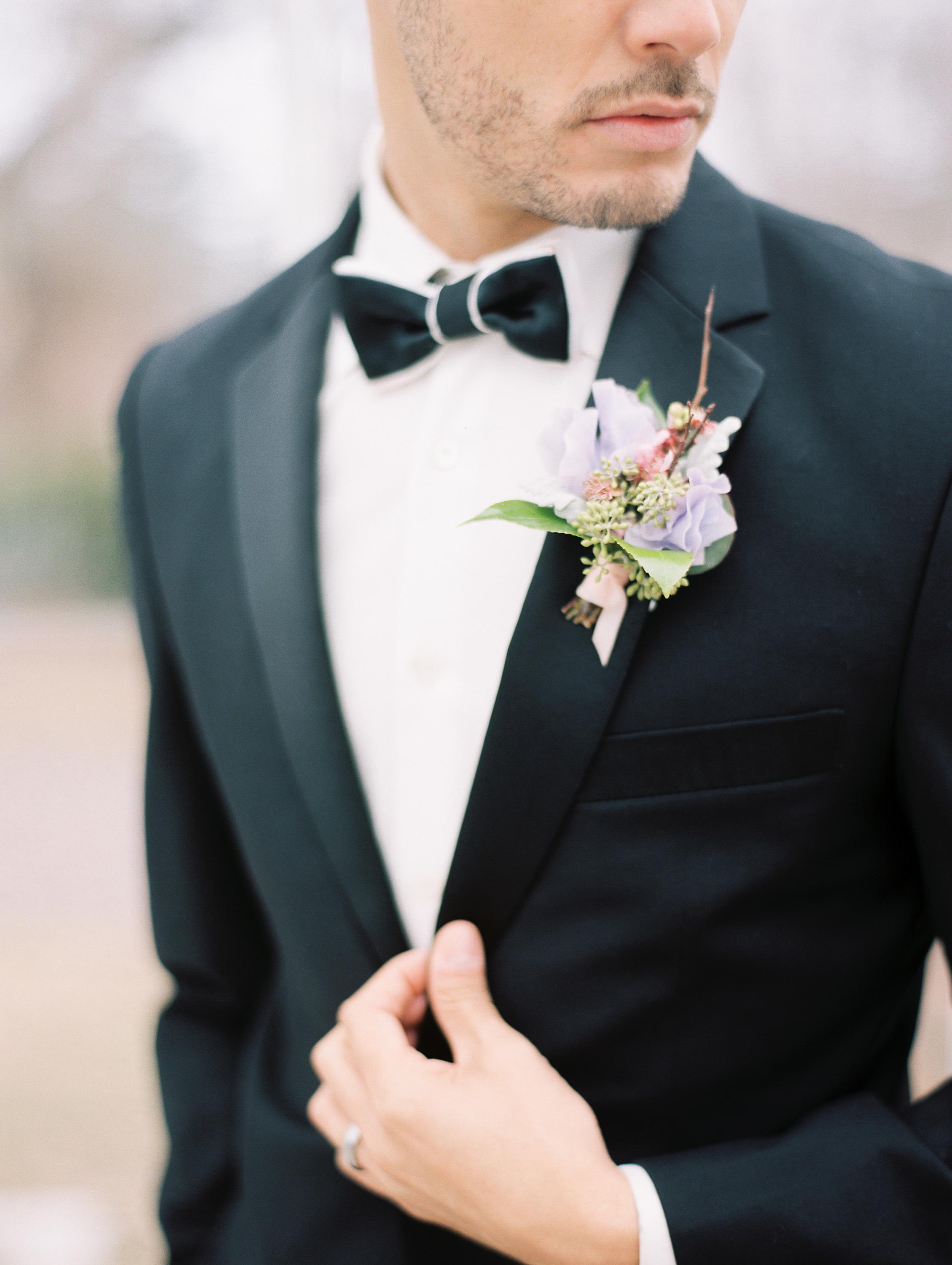 Kristin-La-Voie-Photography-Chicago-Wedding-Photographer-Cheney-Mansion-33.jpg
