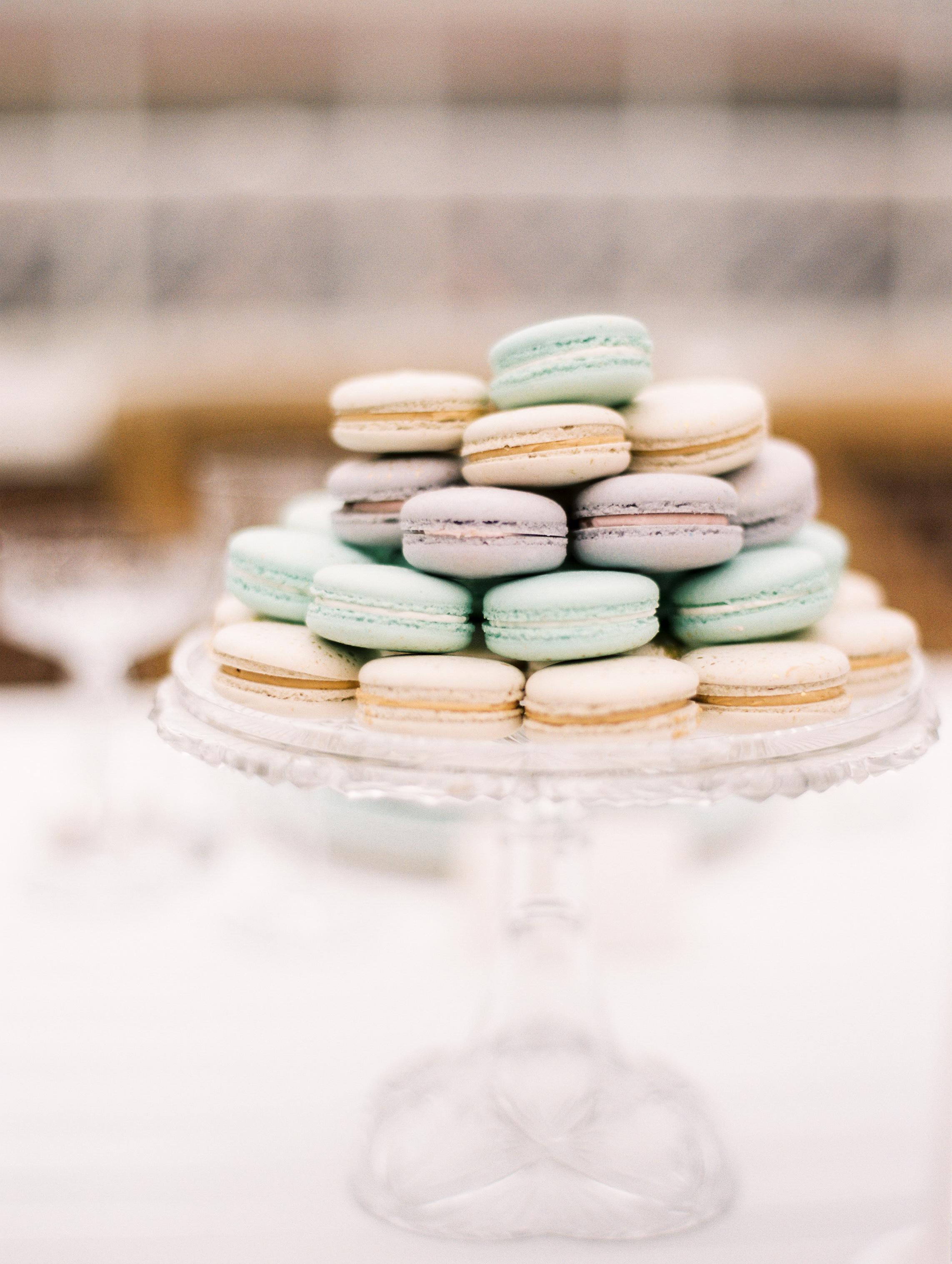 Kristin-La-Voie-Photography-Chicago-Wedding-Photographer-Cheney-Mansion-54.jpg