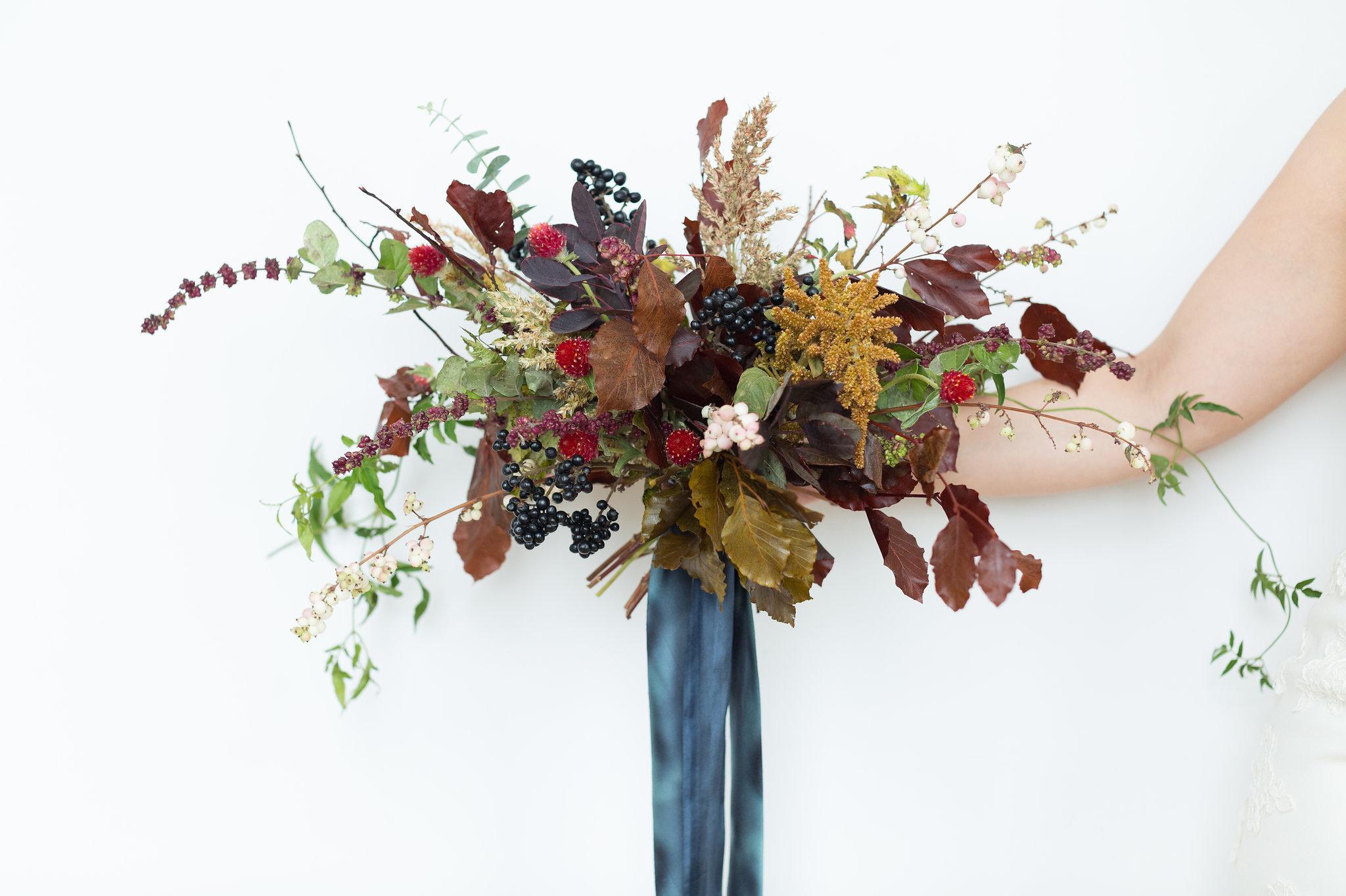 denver_colorado_dark_dramatic_bridal_bouquet.jpg