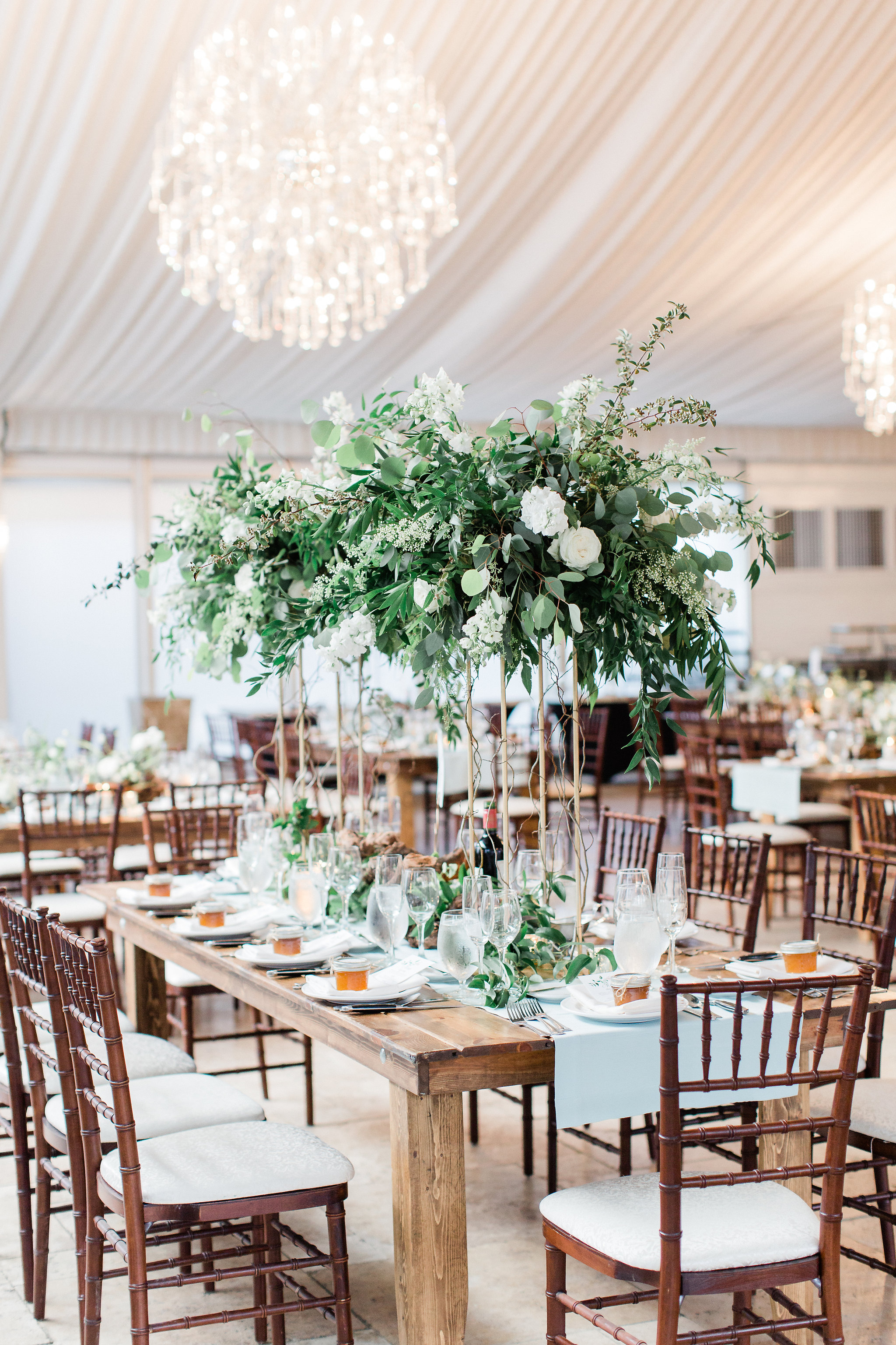 colorado-florist-la-rue-floral-greenery-wedding-centerpiece.jpg