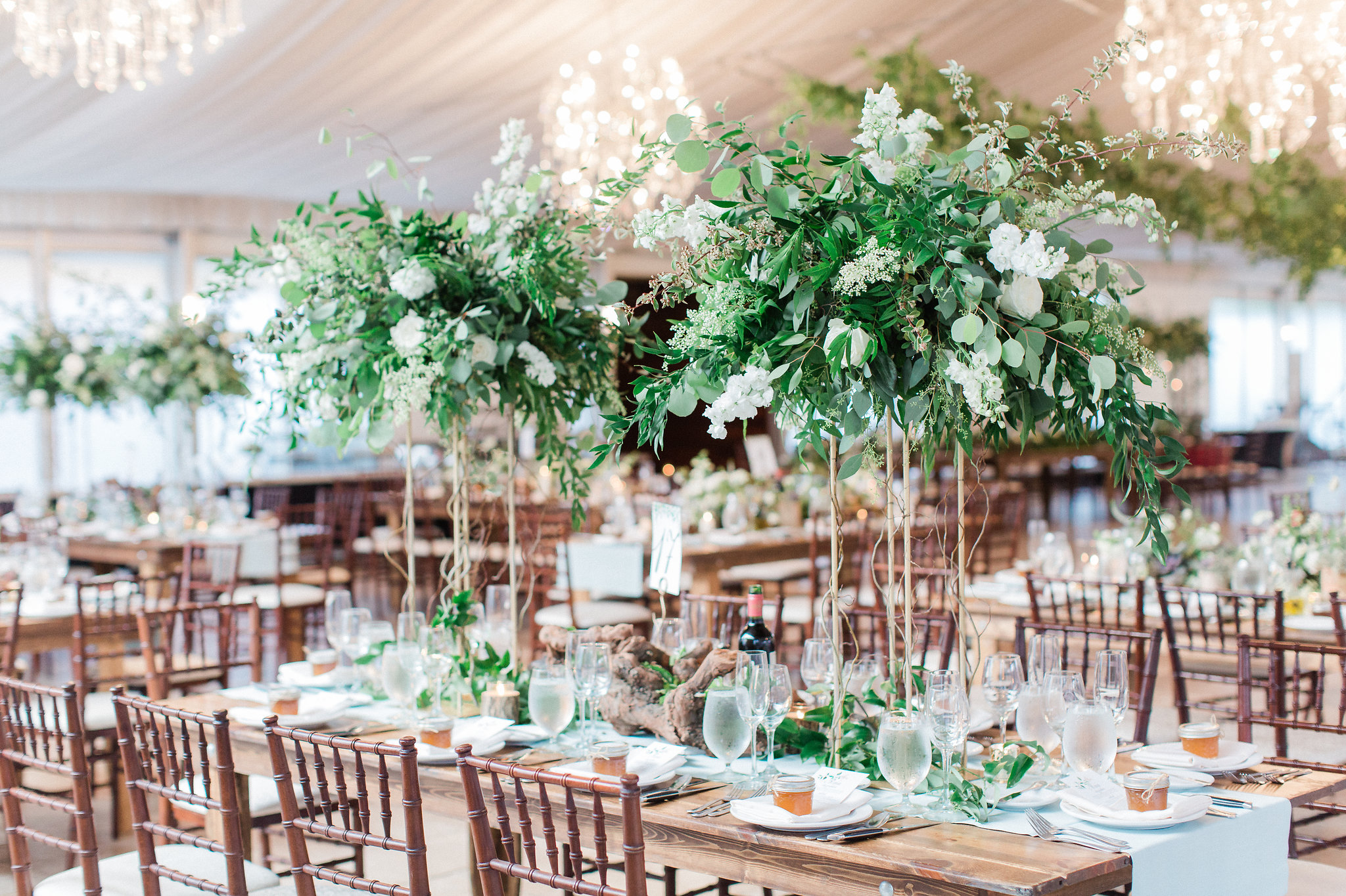 colorado-florist-la-rue-floral-organic-wedding-reception.jpg