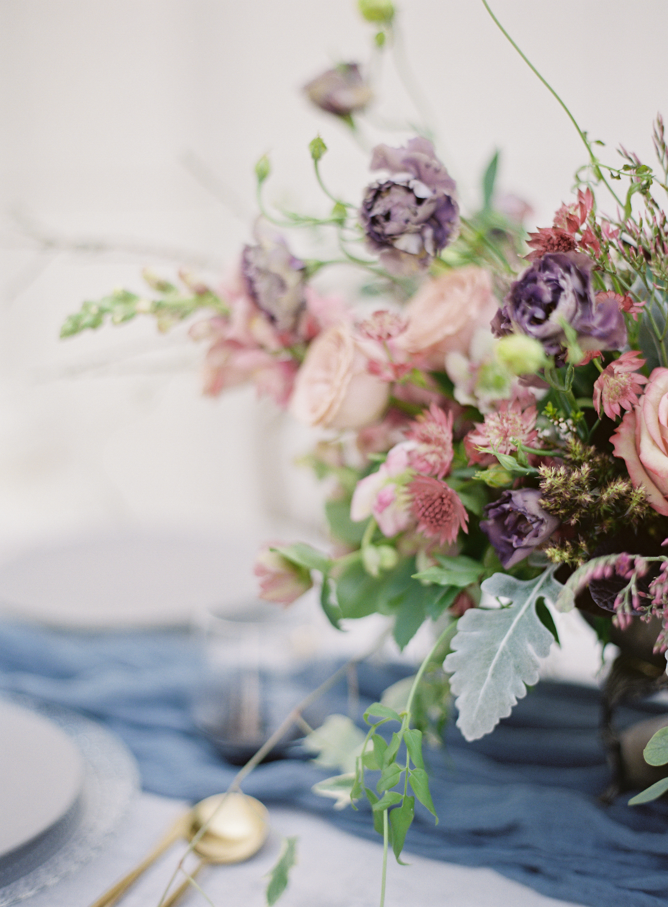 la-rue-floral-purple-wedding-flowers.jpg