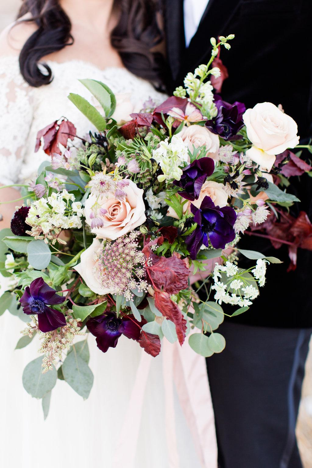denver_colorado_romantic_winter_bridal_bouquet.jpg
